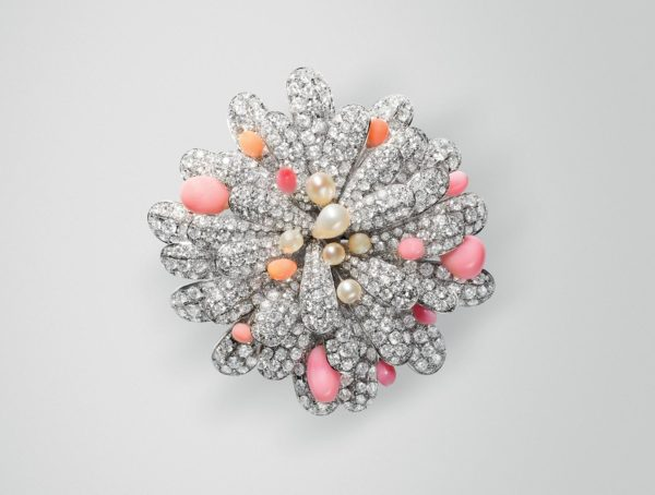 Conch Pearls Brooch 04 | Maria Gaspari