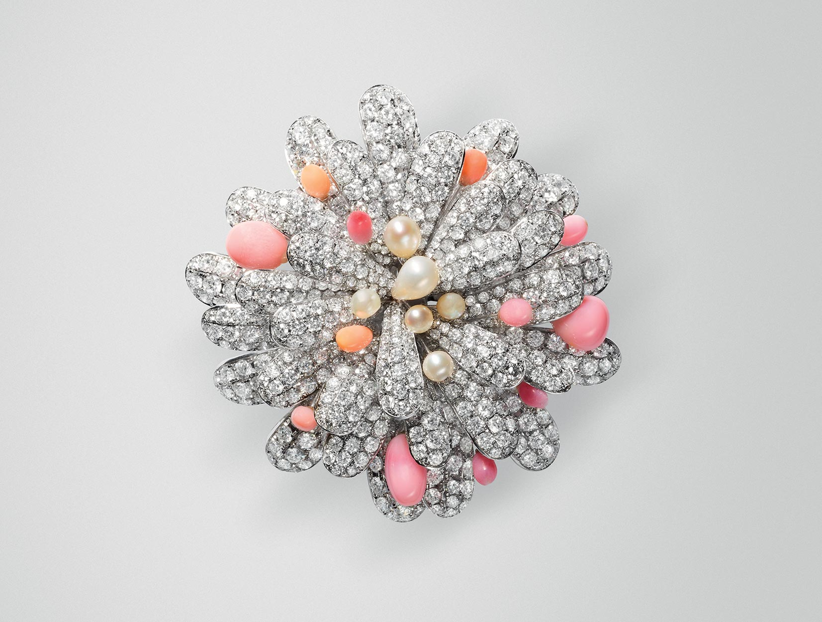 Conch Pearls Brooch 04 | Maria Gaspari